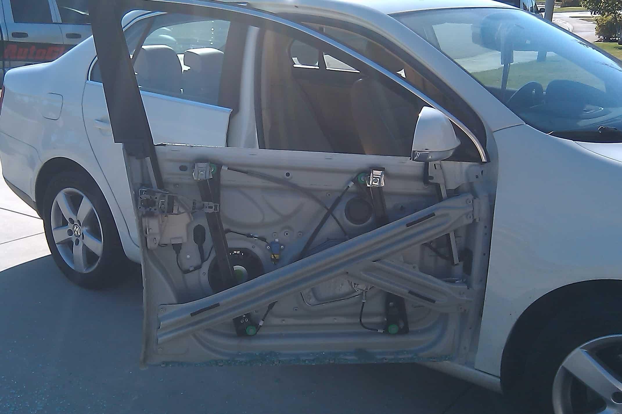 ремонт автомобильных дверей в челябинске